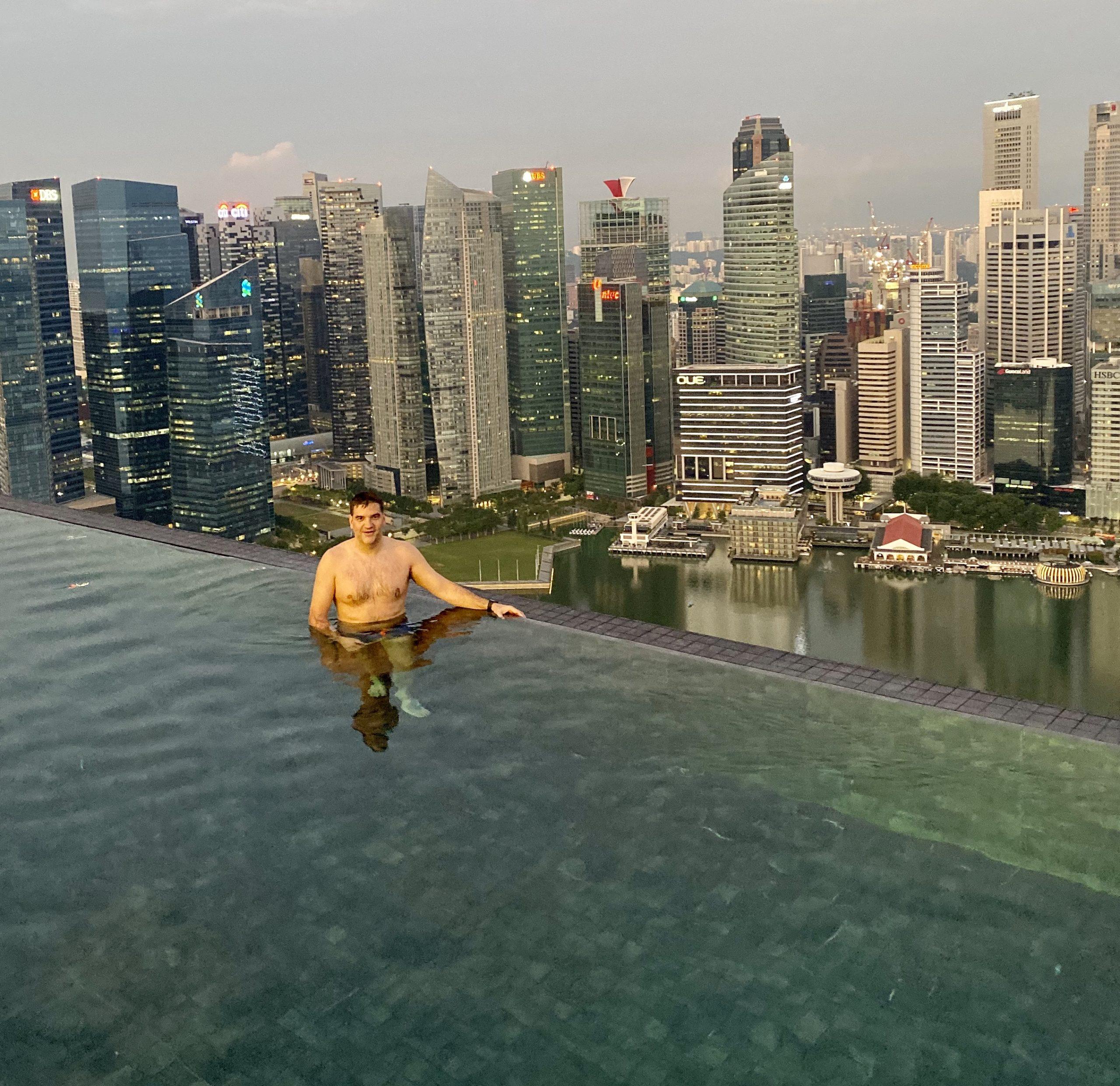 Michael Weilguny in Singapur The Sand Hotel